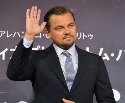 Leonardo DiCaprio scares Jonah Hill on the street in New York