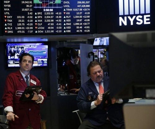S&P 500 dips, ending historic streak