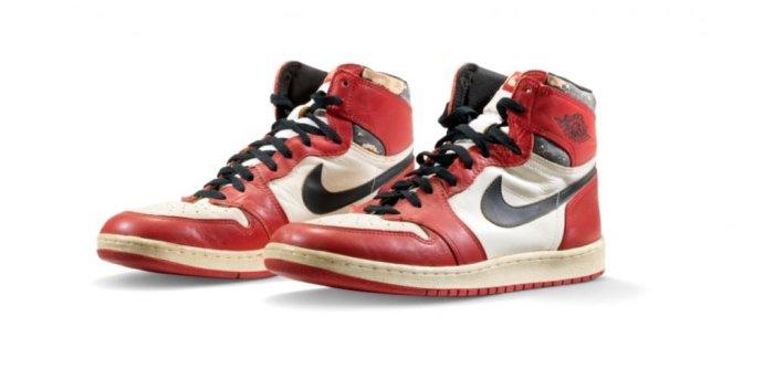 Michael Jordan shoes auctioned for $615