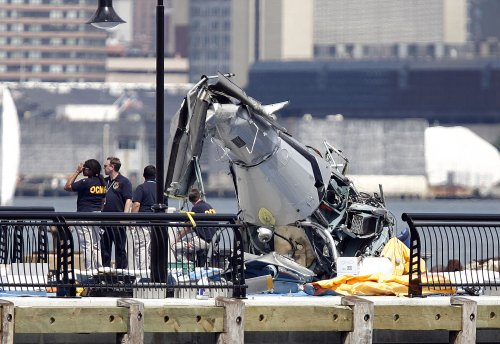 Plane wreckage pulled from Hudson