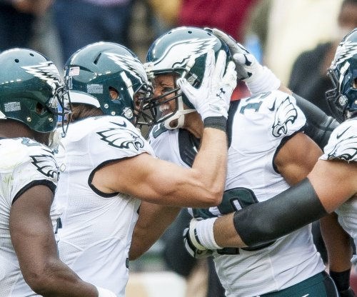 Defense leads Philadelphia Eagles past New York Giants, into first place