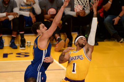 Mourning D'Angelo Russell nails 3 at buzzer to lift LA Lakers