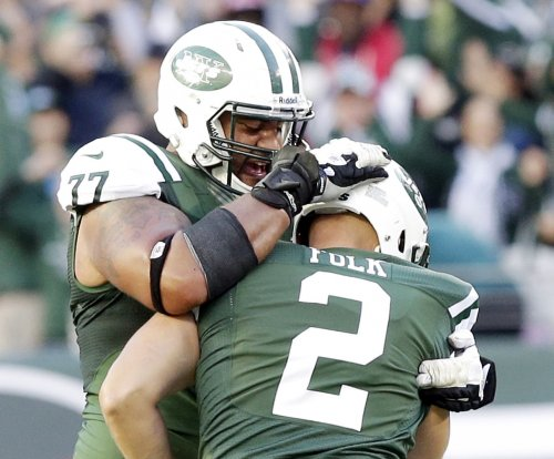 Report: OT Howard to sign with Colts