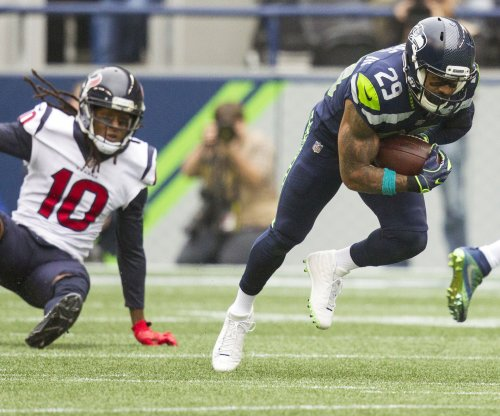 Seattle Seahawks S Earl Thomas skips voluntary OTAs
