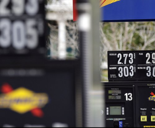 Experts: Gas prices should rise over Labor Day holiday