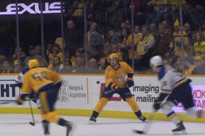 Preds' Filip Forsberg flashes juggling skills vs. Blues