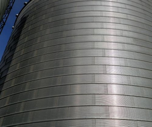80-year-old man dies in North Dakota grain bin accident