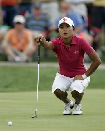 Lee moves into women's golf Top 10