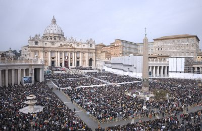 Protester climbs down from St. Peter's Basilica dome