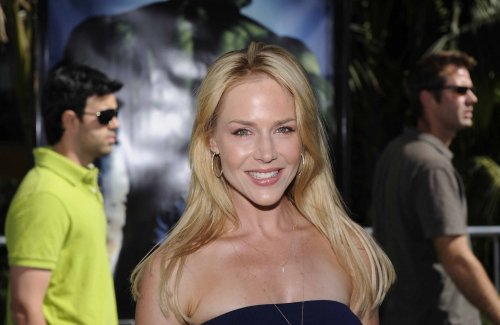 Report: Julie Benz lands 'Desperate' role