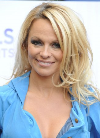 Pamela Anderson says she and Rick Salomon are 'doing fine'