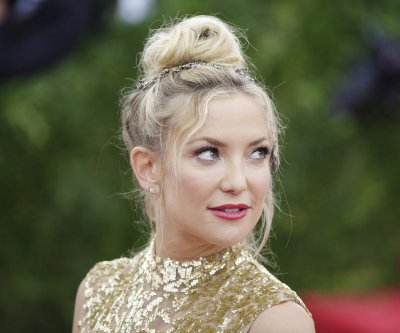 Watch Kate Hudson sing 'The Star-Spangled Banner' for the 4th of July