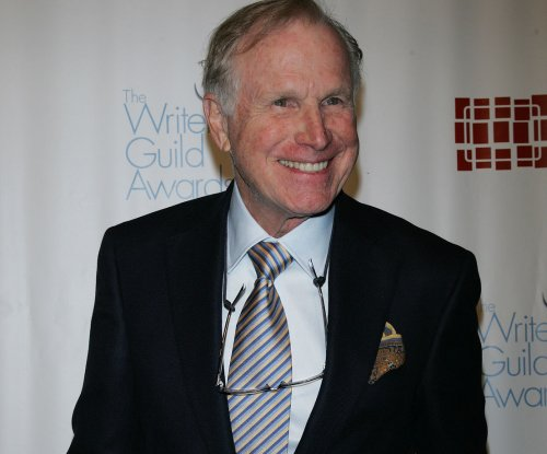 'M*A*S*H' icon Wayne Rogers dead at 82