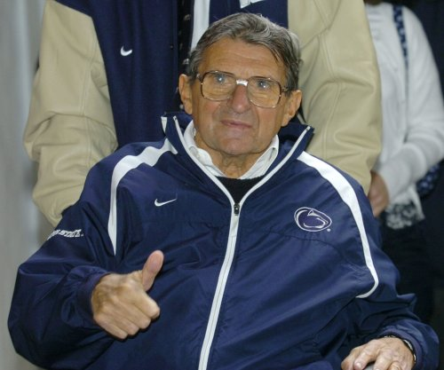 Joe Paterno tribute gets mixed reviews at Penn State