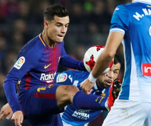 Coutinho gets nutmeg before being fouled in Barcelona debut