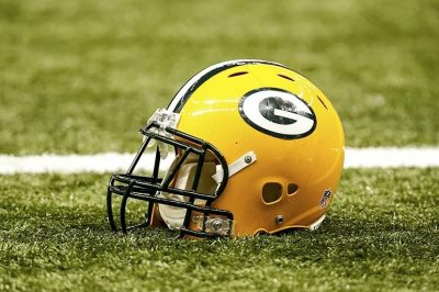 Packers sign RB Daniels to replace retired Judd