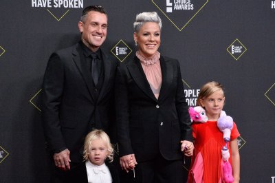 Pink, Carey Hart give thanks on 14th wedding anniversary