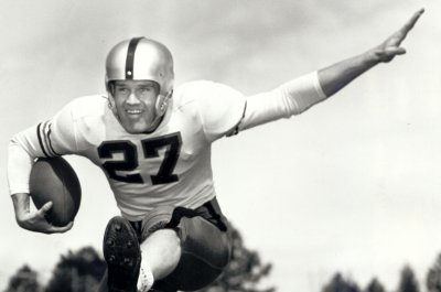 MLB, NFL legend Carroll Hardy dies at 87