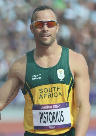 Oscar Pistorius sprints while awaiting trial for murder