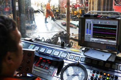 Gas leak stops North Sea production