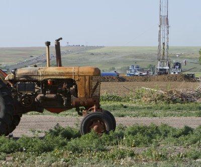 Texas oil production falls