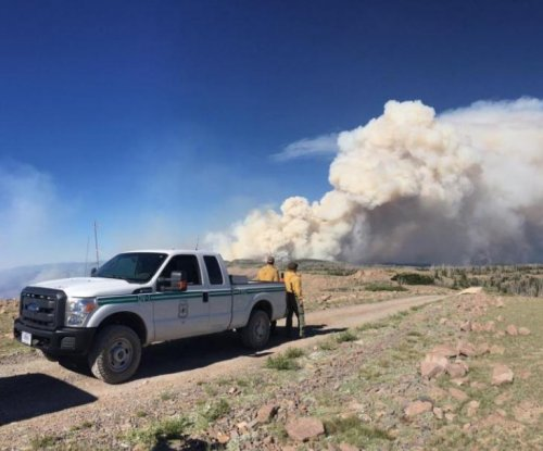 Southern Utah wildfire grows to largest in U.S.