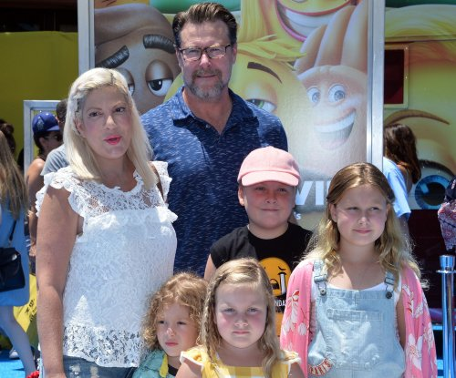 Tori Spelling brings her family to 'Emoji Movie' premiere