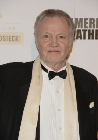 Jon Voight praises daughter Angelina Jolie, granddaughter Vivienne in 'Maleficent'