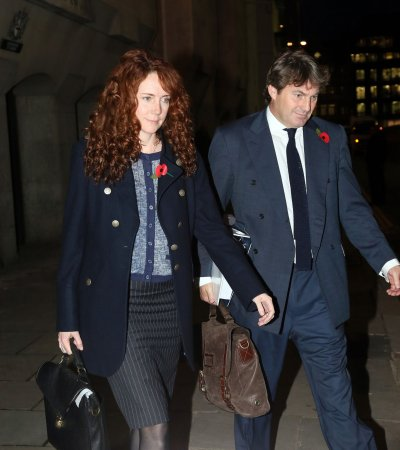 Phone-hacking scandal: Rebekah Brooks cleared, Coulson found guilty