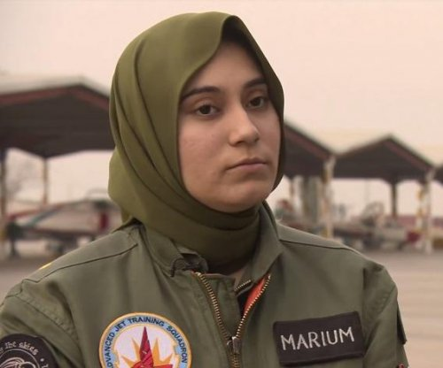 Female Pakistani fighter pilot killed in training crash