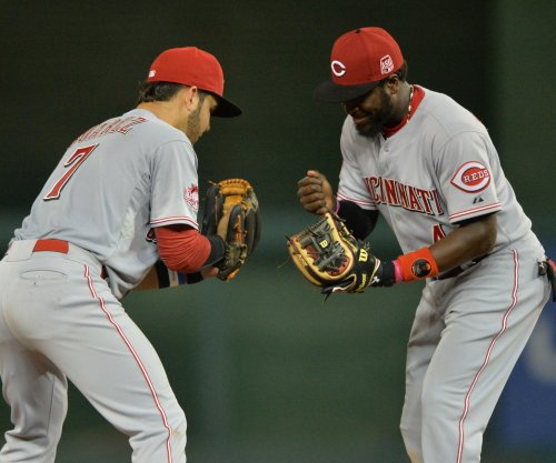 Cincinnati Reds agree to trade 2B Brandon Phillips to Atlanta Braves