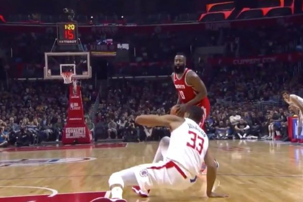cf34df08d5ac James Harden destroys Wesley Johnson s ankles with crossover