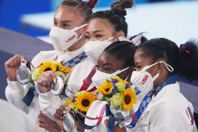 Olympics: Gymnasts, swimmers help Team USA take medal count lead