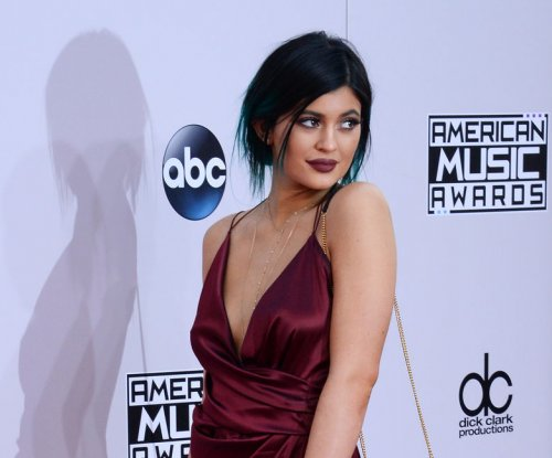 Kylie Jenner, Tyga face paparazzi in LA after first 'date night'