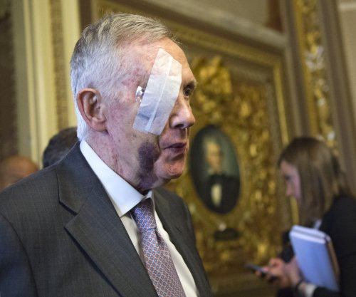 Harry Reid must have surgery on injured eye