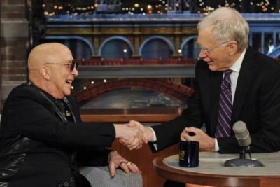 David Letterman wraps 33-year career in late-night television with celebrity pals reading final Top Ten
