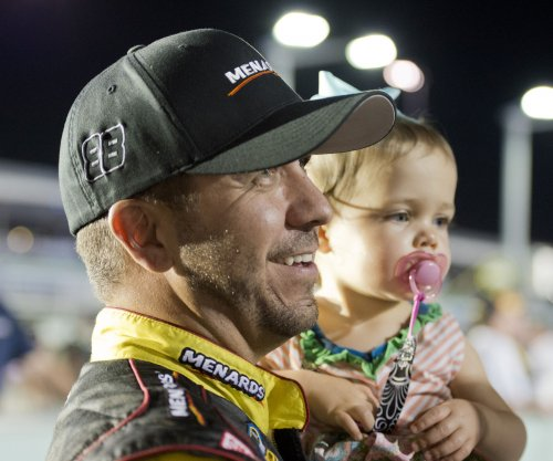 Crafton wins shortened Kentucky truck race