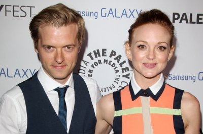 'Glee' star Jayma Mays, husband Adam Campbell welcome first child