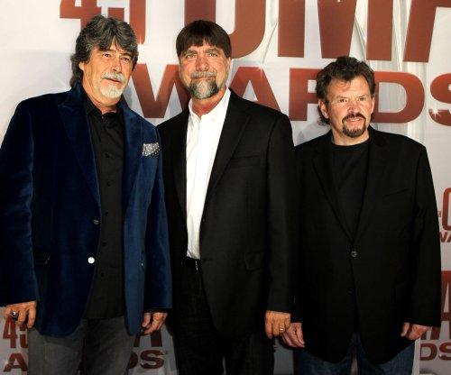 Alabama, Cyndi Lauper, Hank Williams Jr. to perform at Dolly Parton's telethon 'Smoky Mountains Rise'
