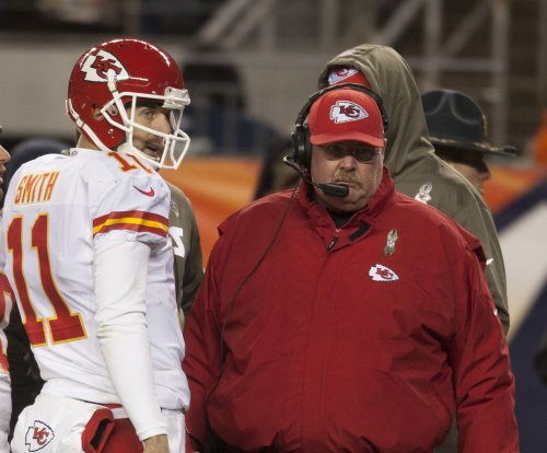 Kansas City Chiefs QB Alex Smith: Chiefs 'committed to me through this year'