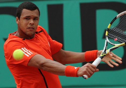 Top seeds head to quarterfinals in France
