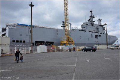 France won't deliver warship to Russia