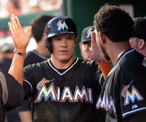 Miami Marlins win on Derek Dietrich's RBI in ninth