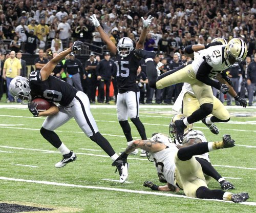 Derek Carr's late TD lifts Oakland Raiders over New Orleans Saints