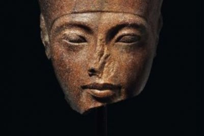 Egypt calls on Christie's not to auction Tut sculpture
