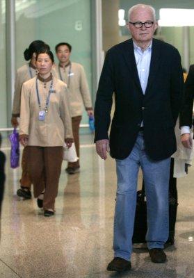 Envoy: U.S. doesn't plan N. Korea invasion