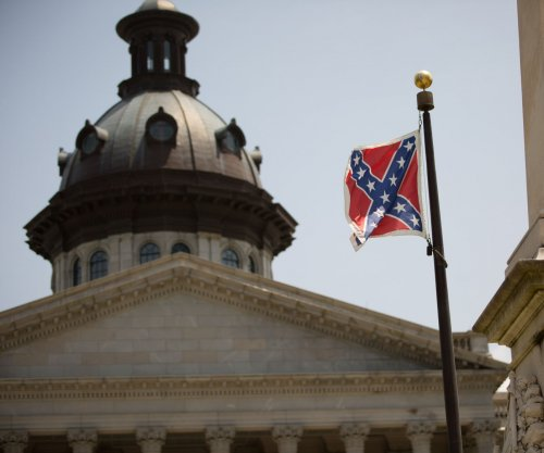 U.S. military: Not considering policy against Confederate flag