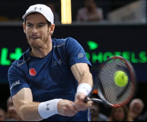 Andy Murray, Novak Djokovic win to set up showdown for No. 1