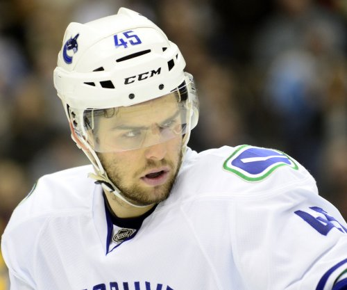 NHL: Vancouver Canucks sign Michael Chaput to one-year deal