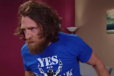 WWE Smackdown: Daniel Bryan ambushes The Miz